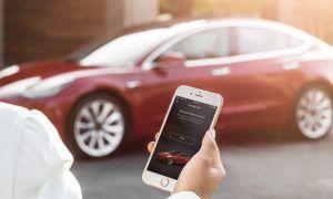 Tesla se podrán controlar desde el móvil