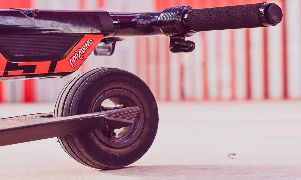 patinete eléctrico plegado