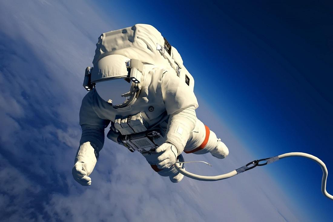 Casco espacial al estilo Iron Man