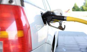 Cómo usar el aire acondicionado del coche para ahorrar combustible