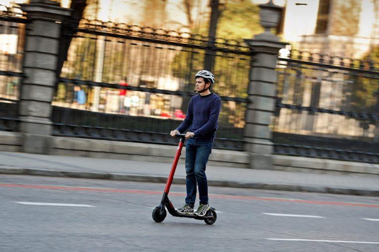 Seat eXS, el primer patinete eléctrico de Seat y Segway