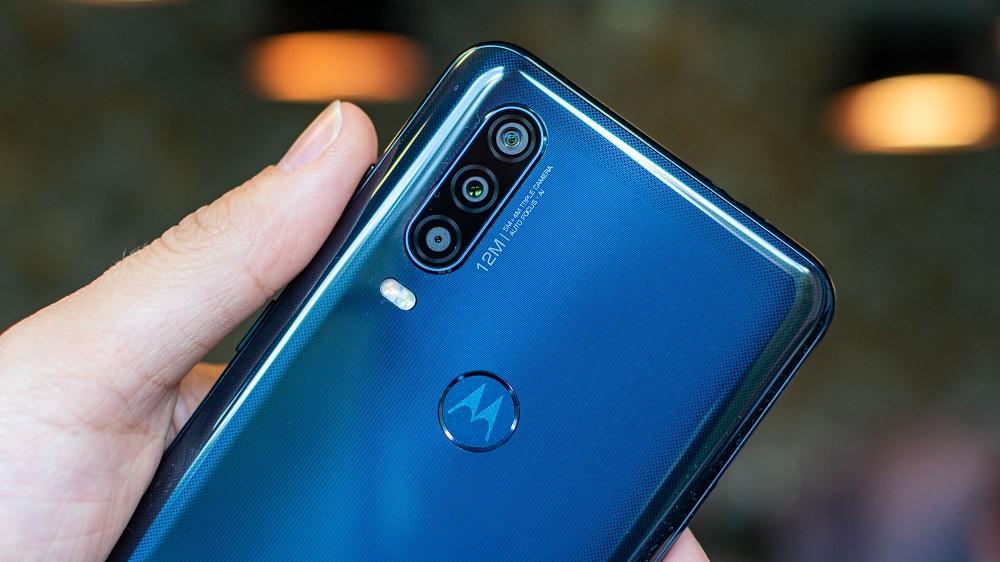 El Motorola One Action tiene triple cámara trasera