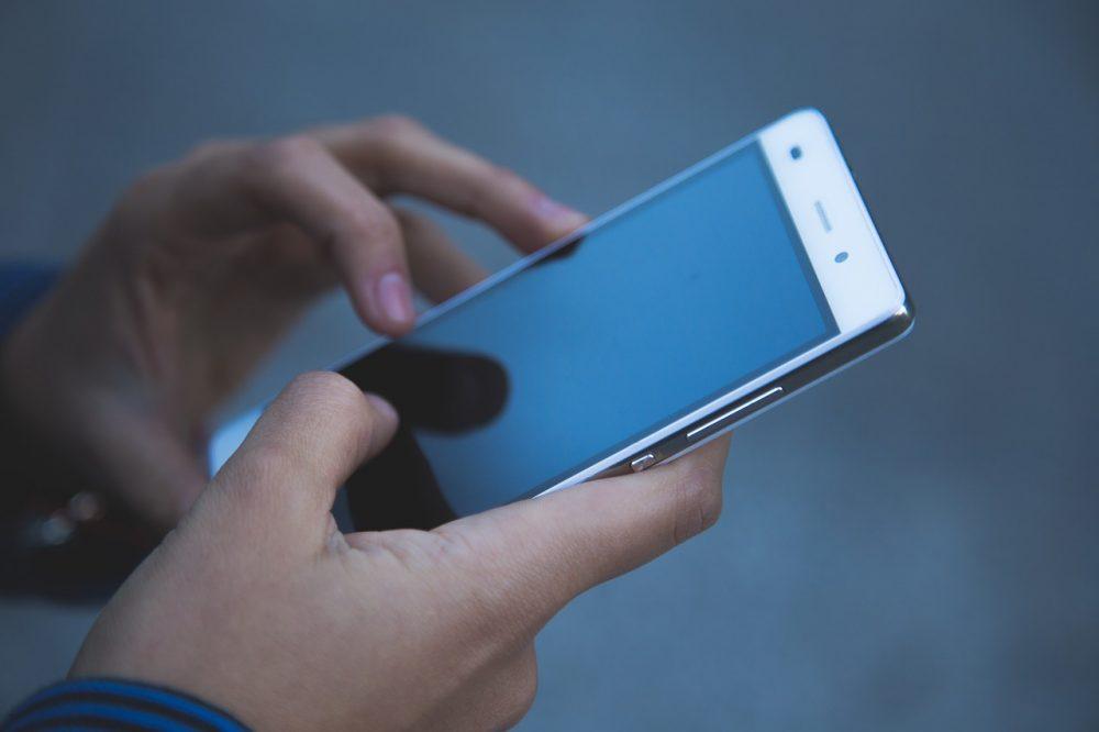 Mi móvil no enciende: causas y soluciones para revivirlo